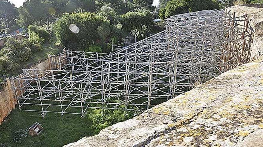 Endlich soll das Gerüst an Palmas Bellver-Schloss weg