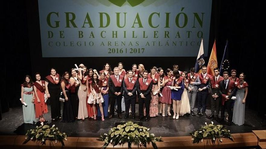 El Colegio Arenas rinde honores a sus graduados