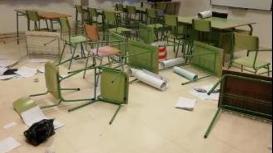 Unbekannte verwüsten nachts Schule auf Mallorca