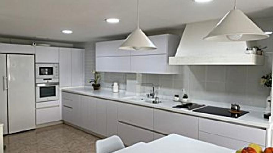 205.000 € Venta de piso en Ciudad Jardín, Vistalegre, Zoco (Córdoba) 105 m2, 3 habitaciones, 2 baños, 1.952 €/m2, 1 Planta...