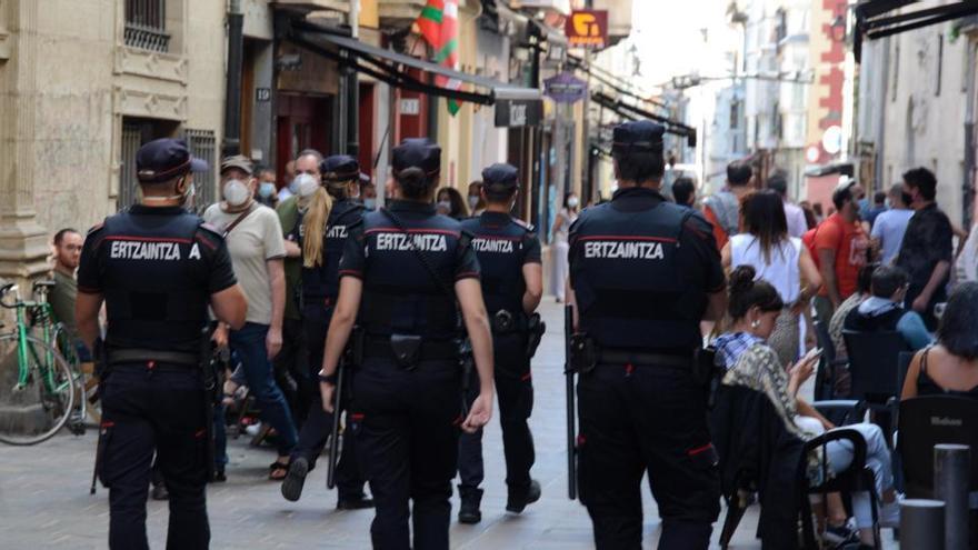 Los contagios suben un 27% en Euskadi con 428 casos