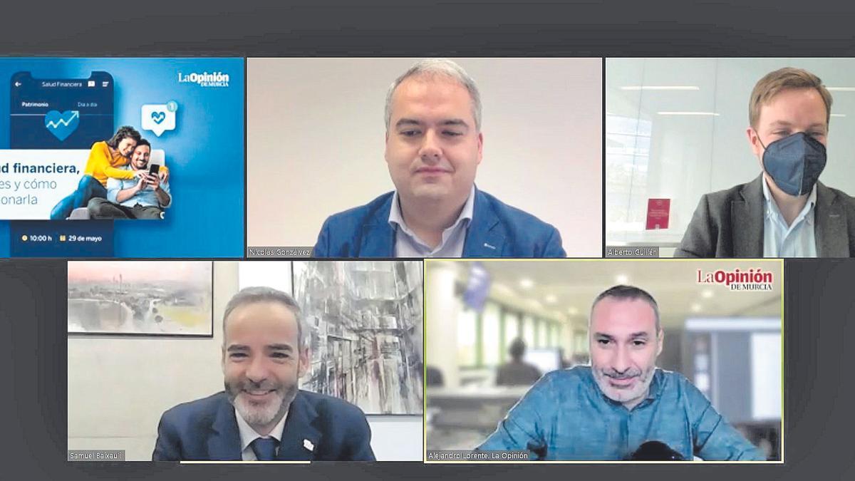 Mesa de expertos organizada por el diario La Opinión de Murcia acerca de salud financiera