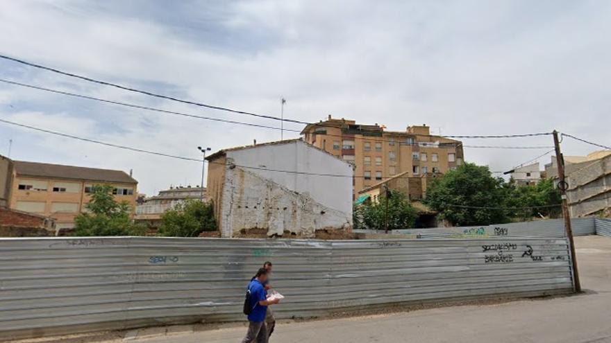 Exigen la limpieza de solares en Huesca para evitar okupaciones