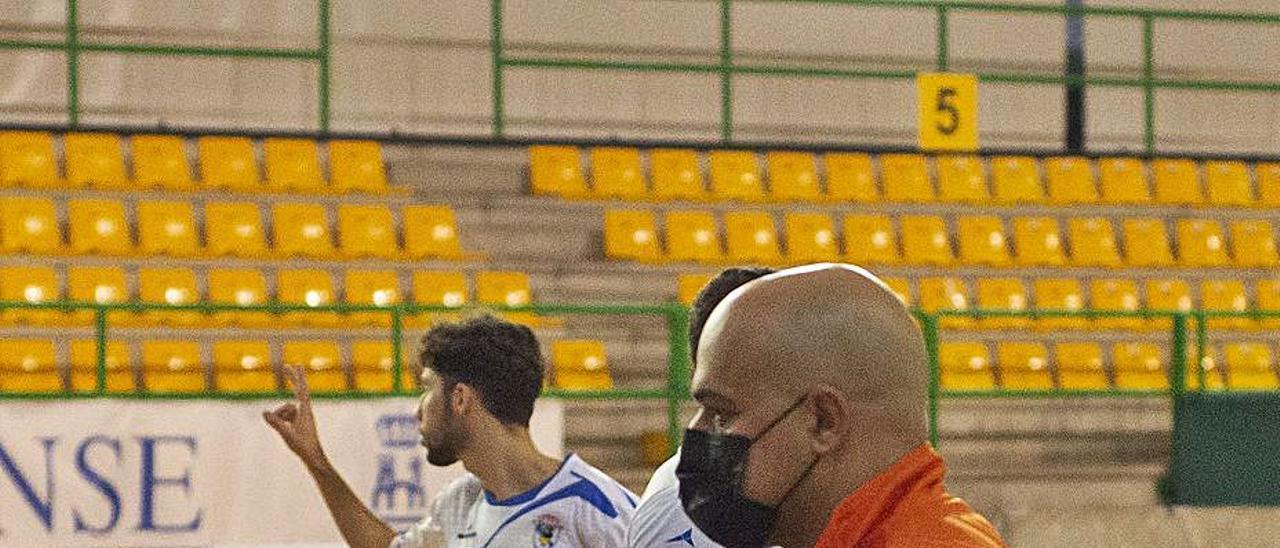 García, el domingo en el Paco Paz, en su último partido. |  // CARLOS PETEIRO