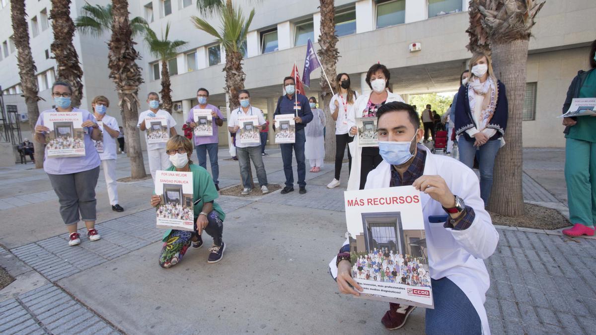 Protestas en un centro de salud de Elche