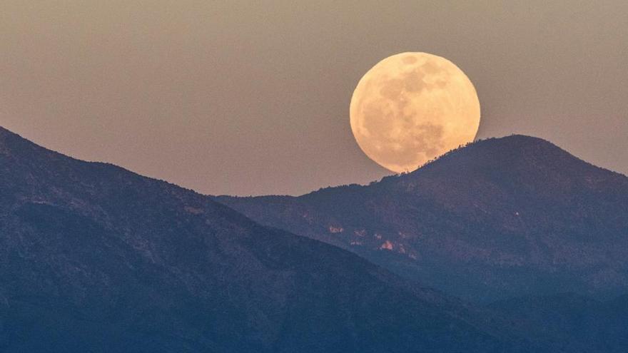 Así se ha visto en el mundo el eclipse total de luna