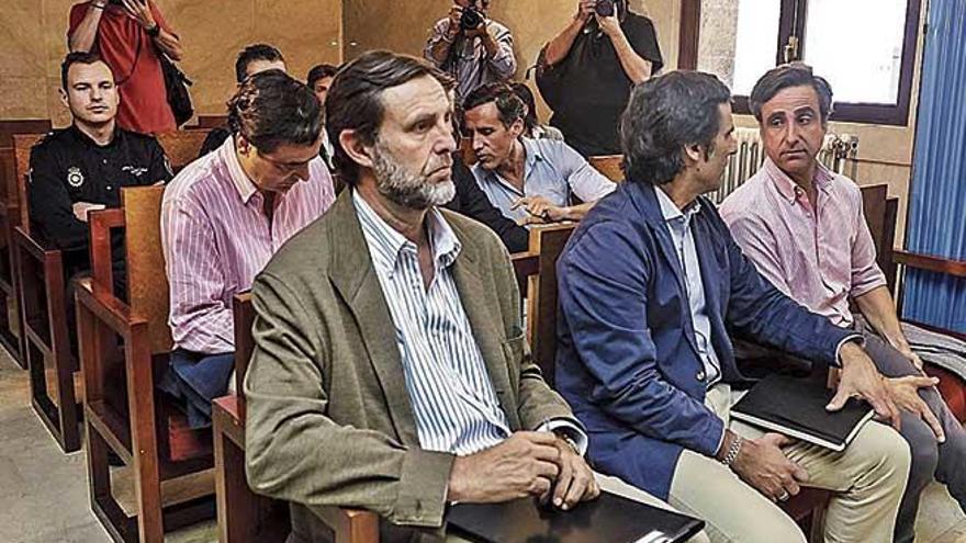 Los Ruiz Mateos afrontan el juicio de hoy ingresados en prisión