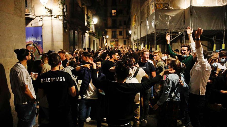 Sanidad propone abrir discotecas y 'pubs' hasta las dos de la madrugada y sin baile