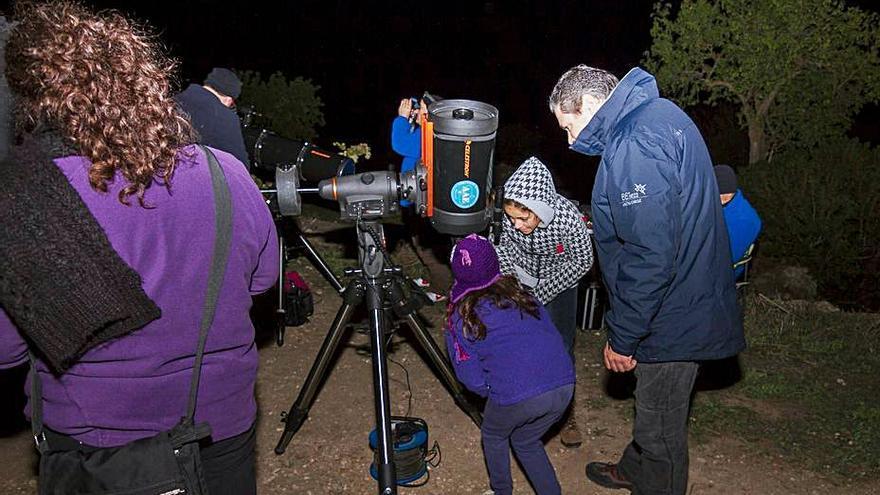 Ciclo de observaciones astronómicas en Cala d'Hort