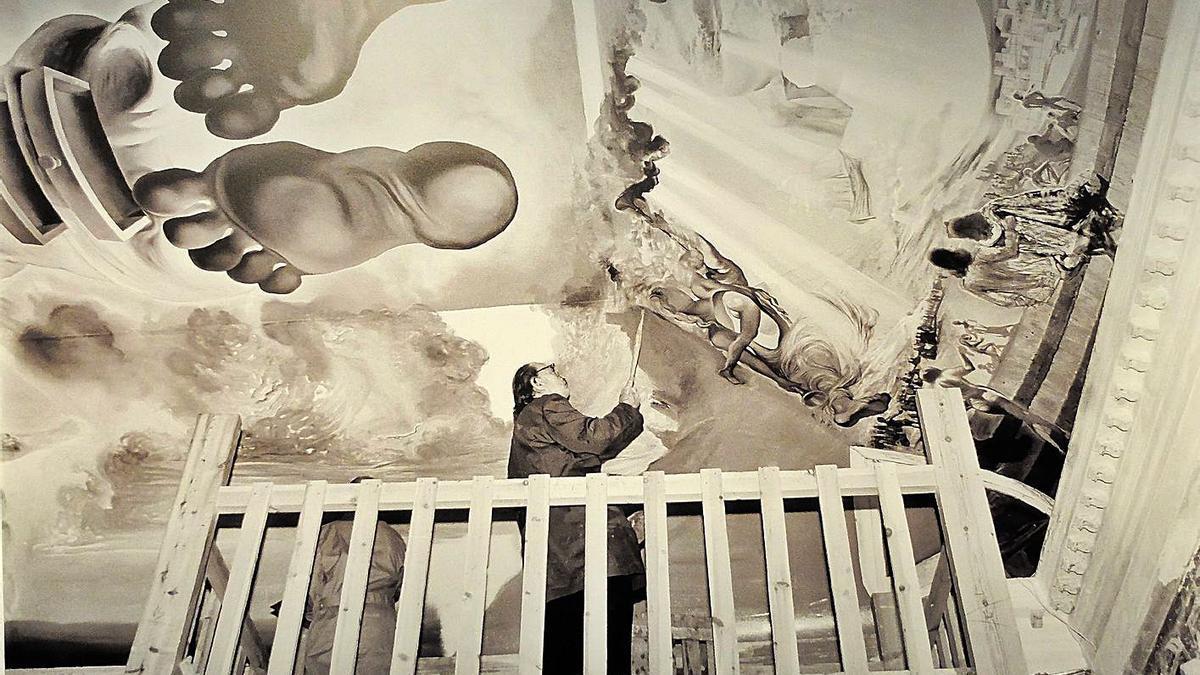 El paper de Dalí en la construcció del Museu a través de fotos de Meli | FOTOS DE CONXI MOLONS