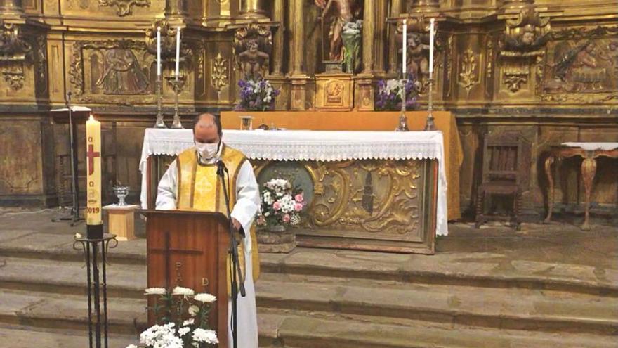 Bretó celebra una misa en honor a la Virgen de La Pedrera