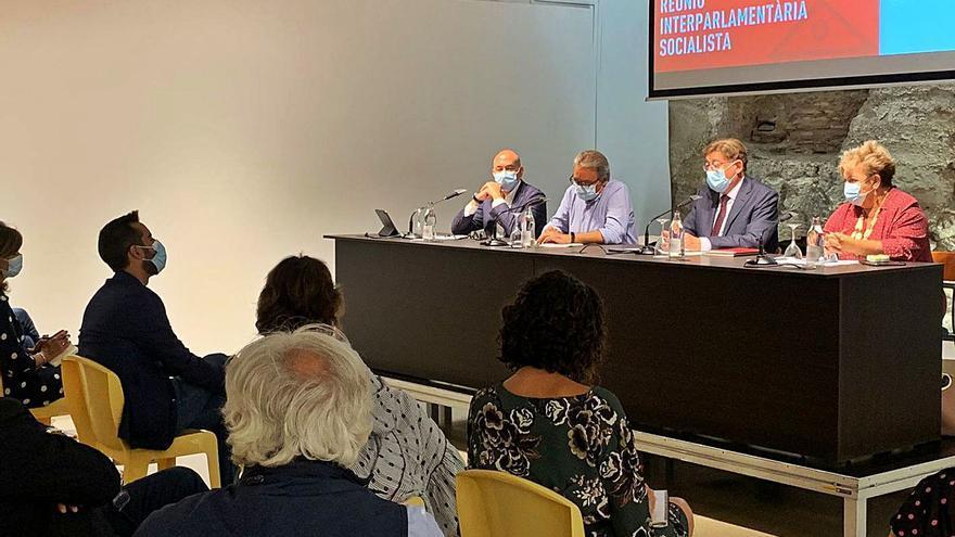Sanguino se alinea con Soler y desafía a Puig retirándose de las listas al congreso del PSPV