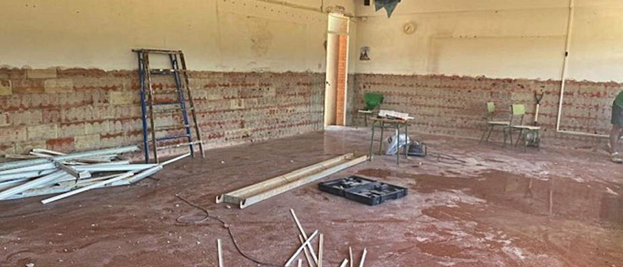Vista interior del aula en obras, en una imagen de ayer   LEVANTE-EMV