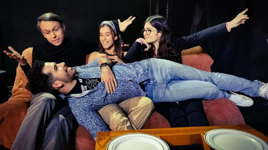 La compañía El Antihéroe Teatro estrena en Tejina su nueva obra, 'Cuatro platos'