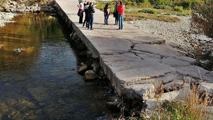 La Confederación se desentiende de los caminos que cruzan los ríos