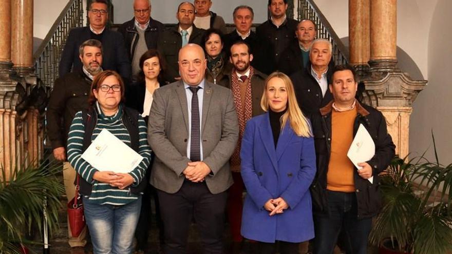 La Diputación firma convenios con 16 entidades por un valor de 240.500 euros