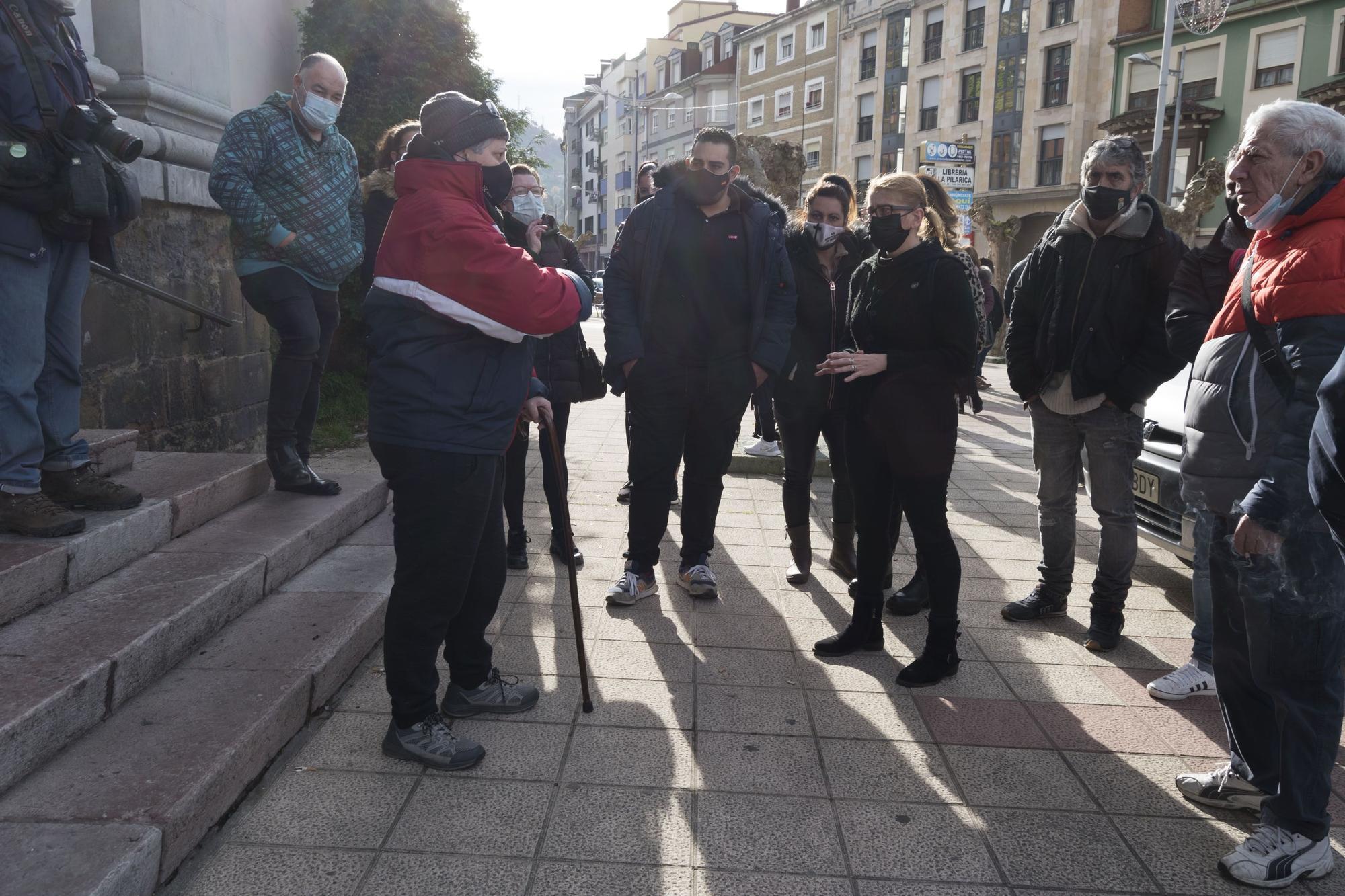 Marcha de los hosteleros del Caudal de Pola de Lena a Mieres