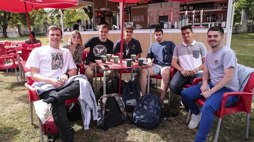 Las casetas del Truébano triunfan entre los universitarios de Oviedo por San Mateo