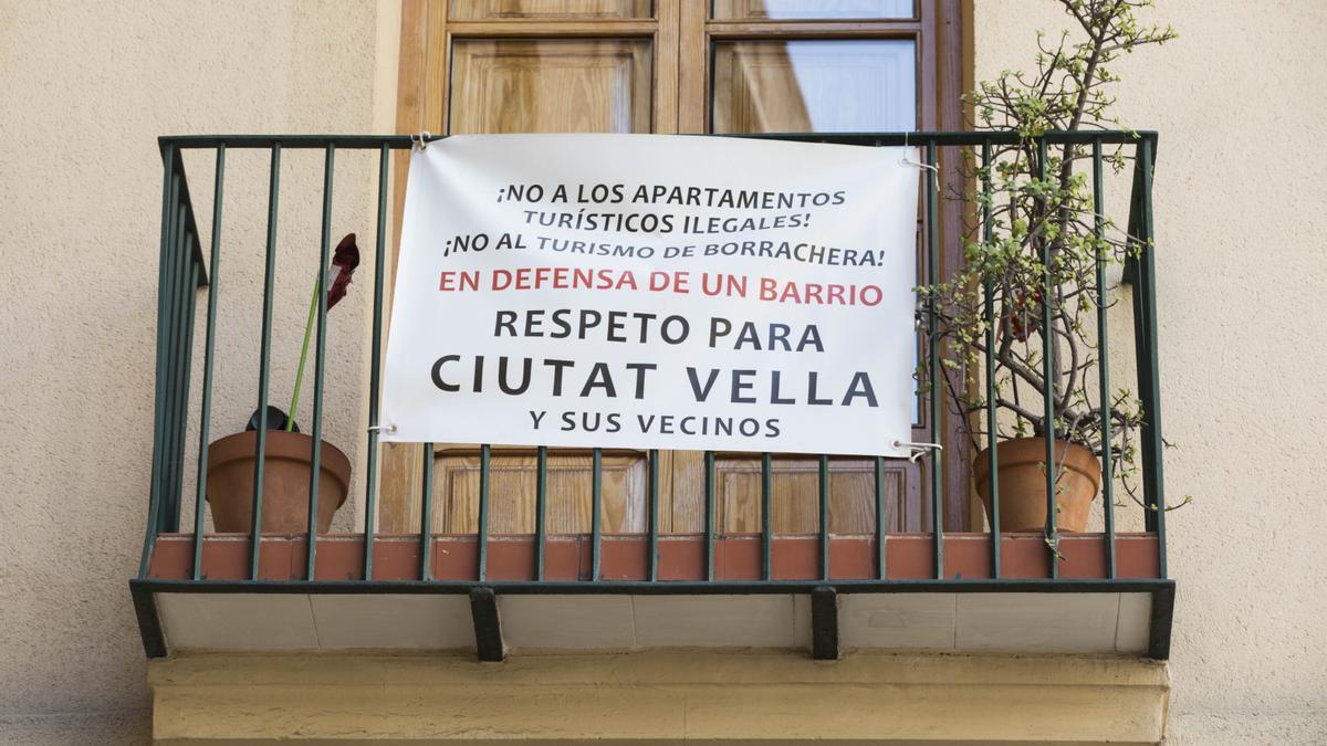 Protestas vecinales por los apartamentos turísticos ilegales