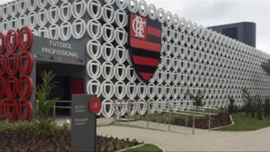 Un incendi a la ciutat esportiva del Flamengo deixa almenys deu morts