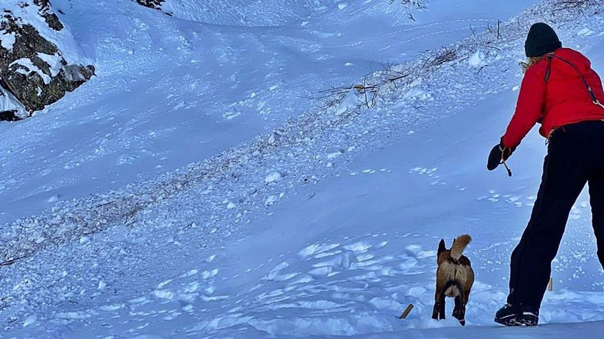 La búsqueda del operario sepultado en San Isidro se paraliza por riesgo de avalanchas