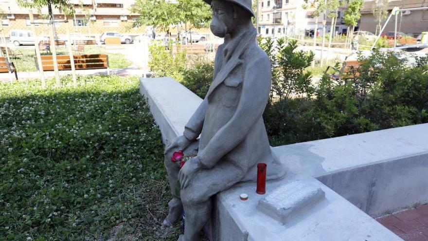 Una escultura recuerda en Benimàmet a las víctimas del Covid 19