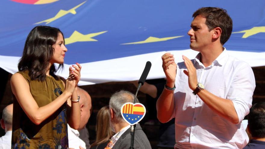 Arrimadas: «Em deixaré la pell perquè Rivera sigui president d'Espanya»