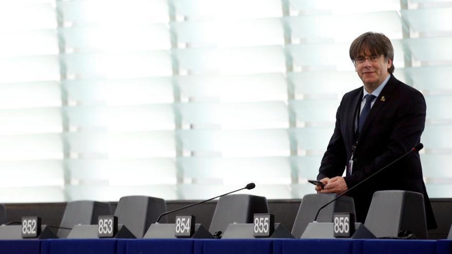Puigdemont, sin grupo tras su primer pleno europeo