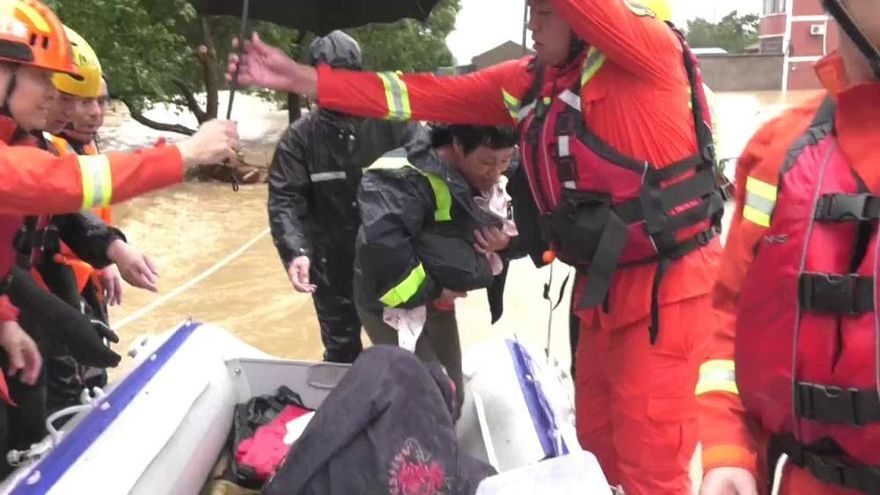 Al menos 18 muertos y 14 desaparecidos en China por la llegada del tifón Lekima