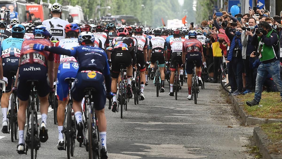 Giro d' Italia - 2nd (109973665).jpg
