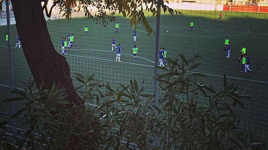 El veto al público en el fútbol provoca un problema de seguridad en Faura