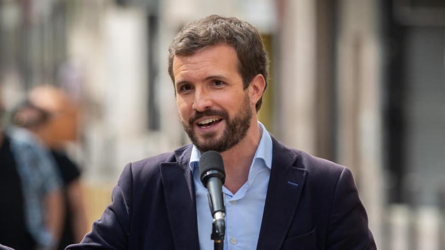 """Pablo Casado censura que el Gobierno """"pretenda intervenir"""" las comunidades"""