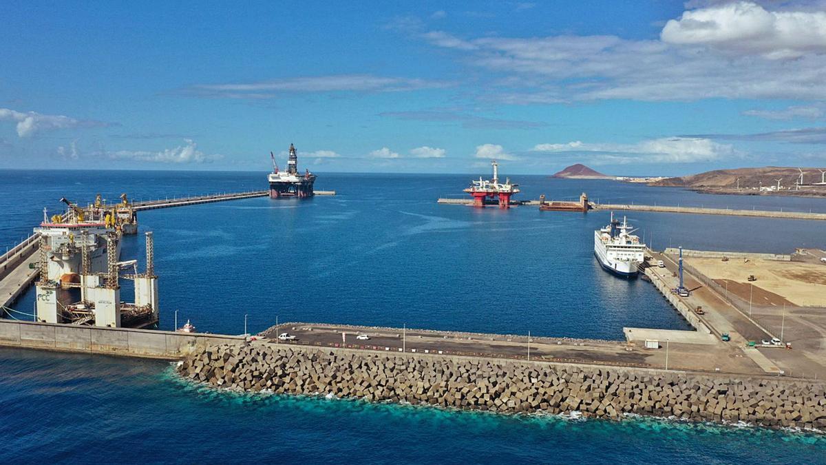 Vista general del Puerto de Granadilla.