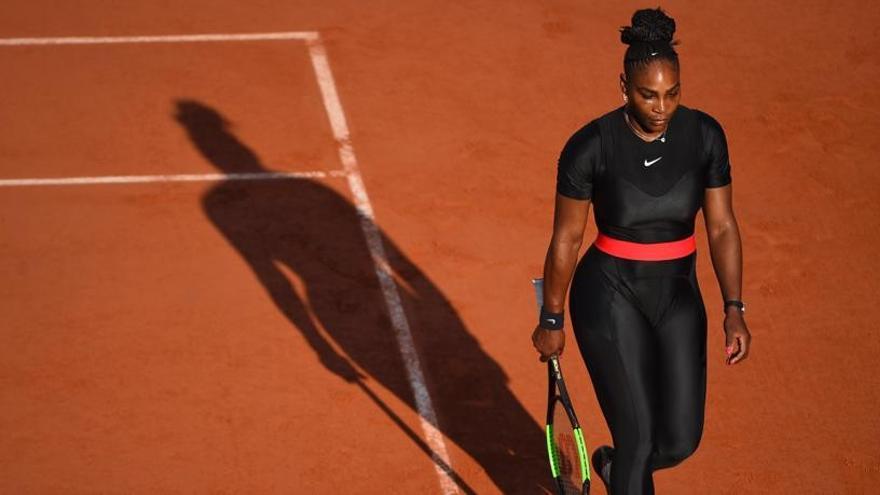 Serena abandona antes de su duelo con Sharapova