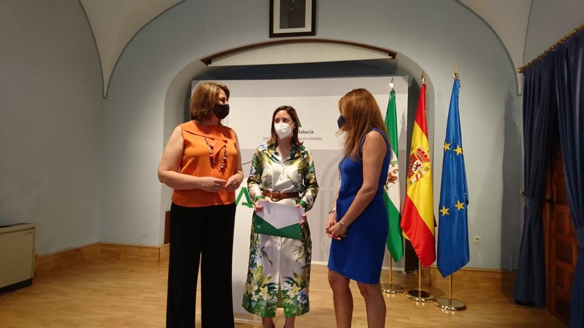 Eva Contador, Cristina Casanueva y Rocío Oria.