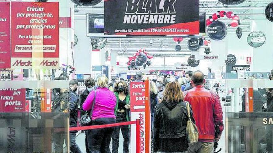 El comercio acopia 'stocks' para evitar la escasez en Black Friday