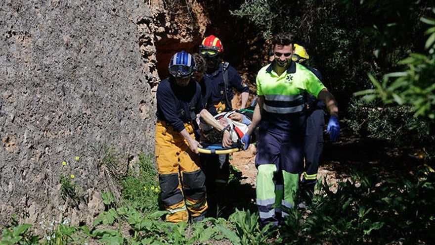 56-Jähriger stürzt und liegt über Nacht verletzt im Wald