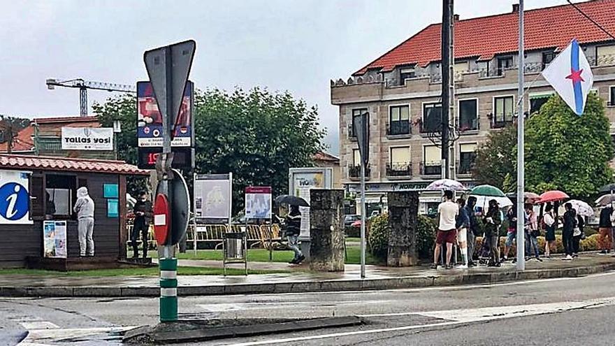 Colas para el Festival Intercéltico en Moaña