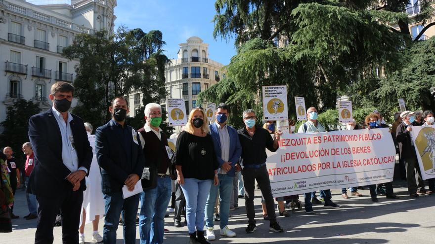 IU reclama en Madrid la recuperación de la Mezquita y de todo el patrimonio público inmatriculado por la Iglesia