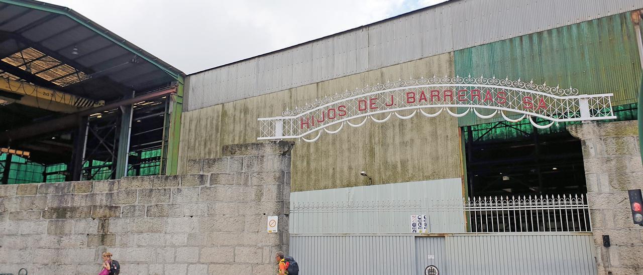 Entrada del astillero Barreras