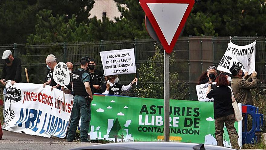 Protesta contra la polución de la siderúrgica