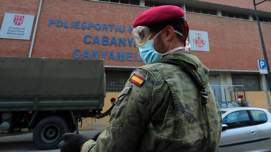 """Más de 250 militares retirados advierten del """"deterioro de la democracia y de la unidad"""""""