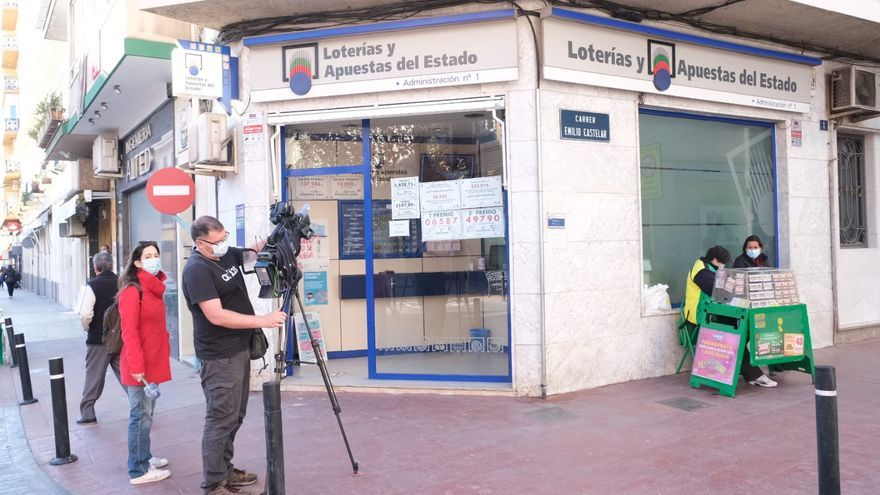 The first fifth prize of the Christmas Lottery leaves more than 3.5 million euros in Novelda
