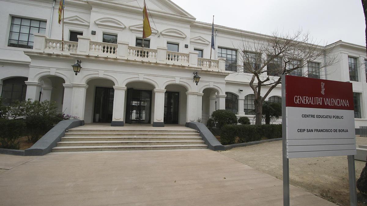 Un grupo del colegio Sant Francesc de Borja de Gandia no incia el curso por el positivo de un profesor