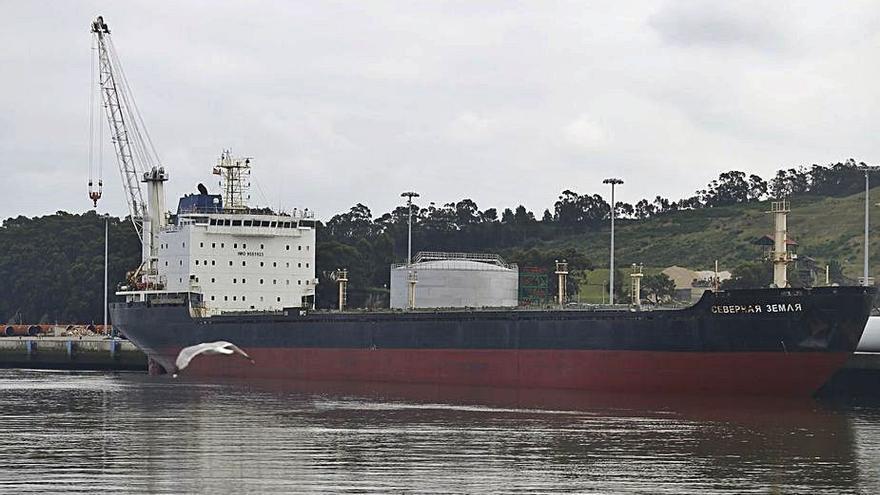 Diez empresas quieren hacerse con el buque ruso para achatarrarlo