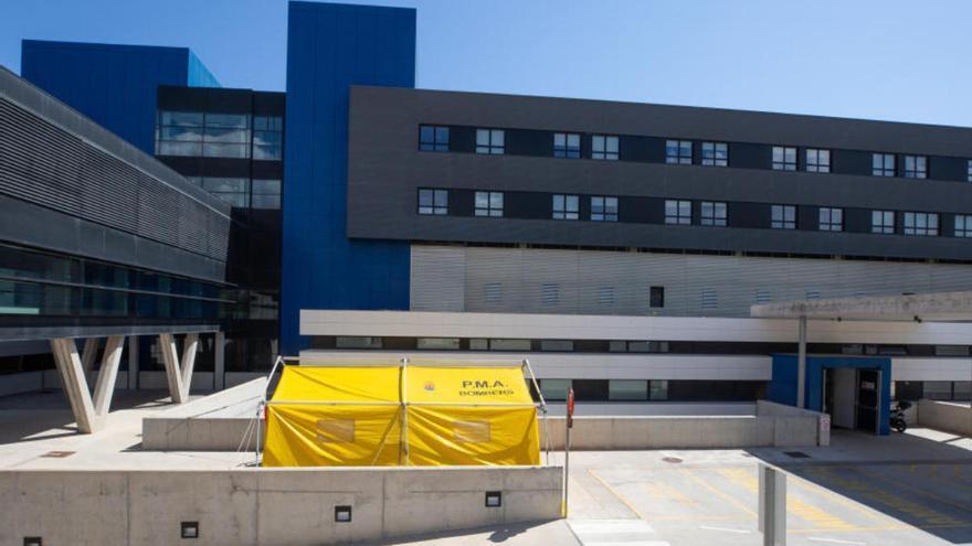 Obligan a ingresar en el hospital a un contagiado de covid-19 que viajó a Ibiza para una despedida de soltero