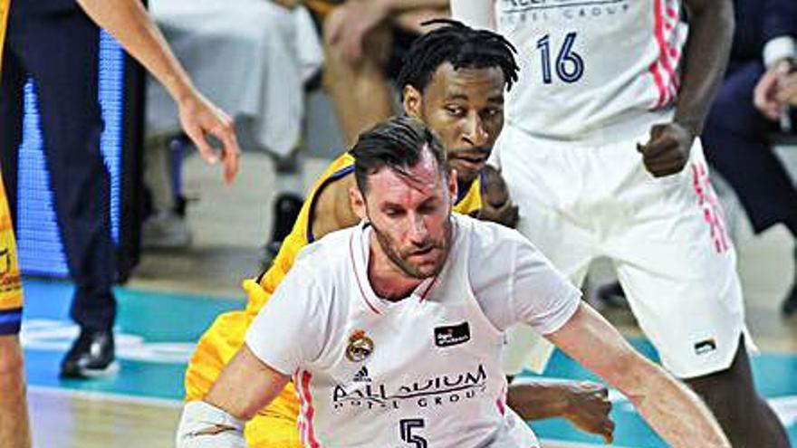 El Madrid, con dos positivos en covid, gana fácil al Granca
