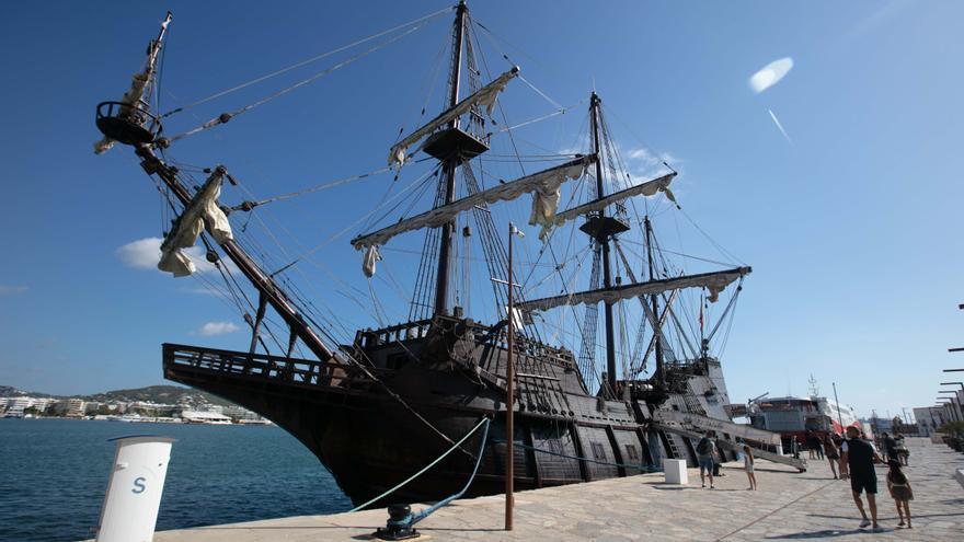 El galeón 'Andalucía' recala en Ibiza