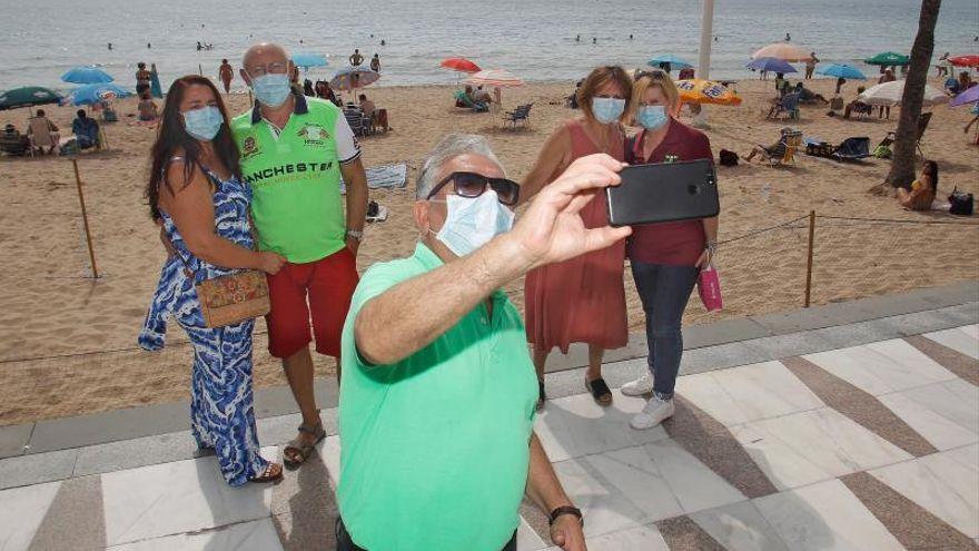 """El hartazgo de los jubilados asturianos ante el colapso de la web del Imserso: """"Vaya chapuza"""""""