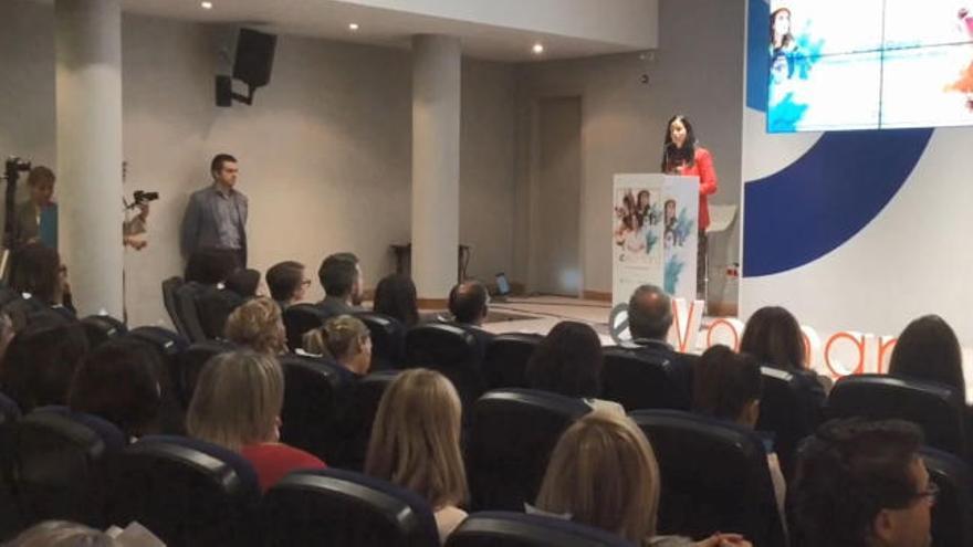 Desirée Vila, Adriana Domínguez y Teresa Ubeira, premiadas en el foro eWoman en Vigo